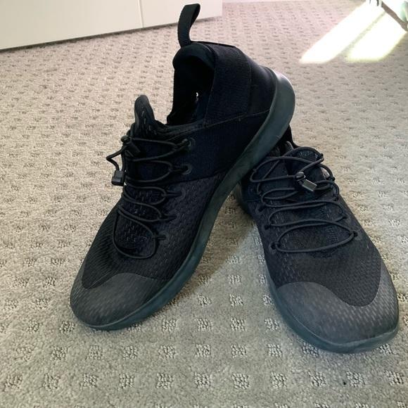 Black Nike Running Shoe | Poshmark